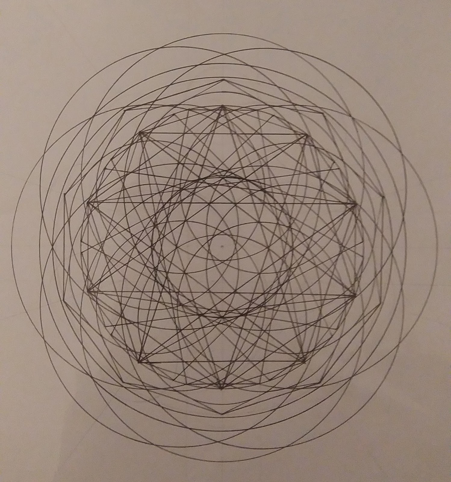 [SPOLYK] - Geometries & sketches - Page 6 47308701_1103195436533806_9116842605802422272_o