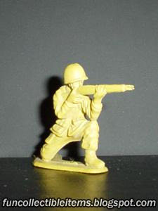 Crouch Rifleman plastic toy soldier