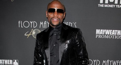 Floyd Mayweather Jr.'s vehicle set on fire during England tour stop