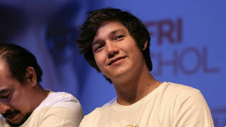 Biodata pemain Incess Syantik Bermuka Cemong