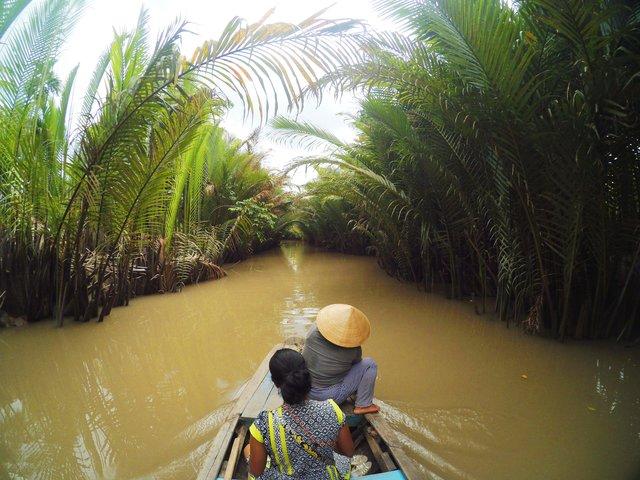 getek sungai mekong delta