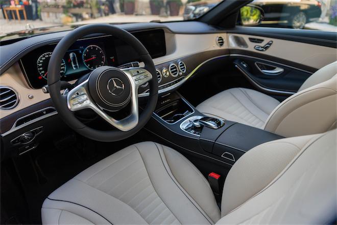 Alquiler-coche-con-conductor