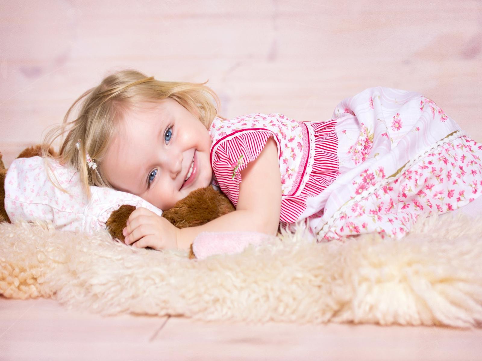 Lovely Baby Girl Wallpaper Hd: Desktop Wallpapers,Animals Wallpapers,Flowers Wallpapers
