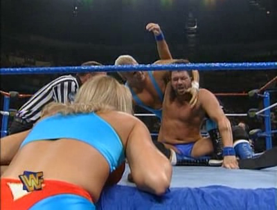 WWF / WWE - SUMMERSLAM 1995 - Sunny cheers on Skip in his match against Barry Horowitz
