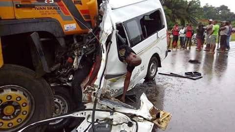 Tragedy: Fatal Road Accident Along Umuahia Claims At Least 13 Lives (Photos),