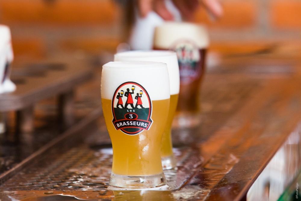 """1097c1c1c ... vida é a amizade verdadeira, imagine comemorar o popular Dia do Amigo  (18 de abril) ao lado dos """"brothers"""" e regado de uma cerveja artesanal  trincando ..."""