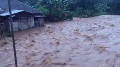 Kecamatan Hantakan Dilanda Banjir, Warga Barabai Diimbau Waspada