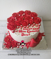 Red Rose Buttercream Cake
