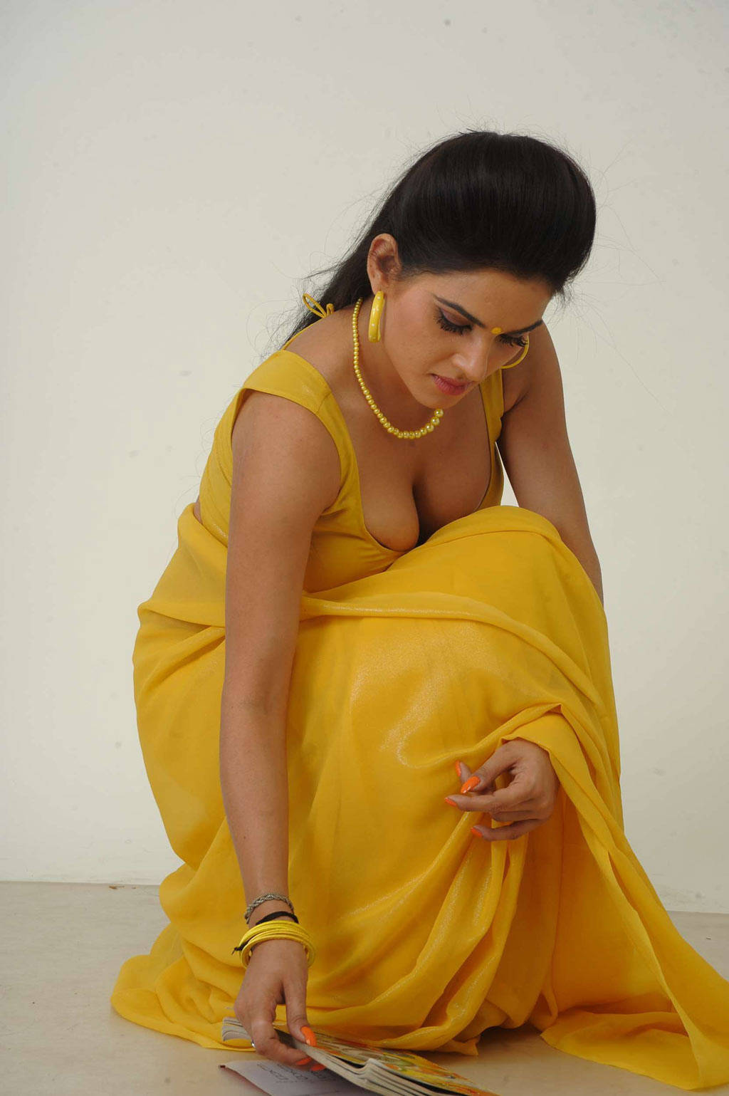 Kavya Singh Hot Yellow Saree - South Indian Actress-6670