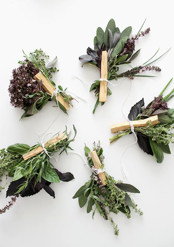 PUNTXET Mini ramos de hierbas frescas para el dia de la madre #DIY #flores #homemade #love #tutorial #plantas #mothersday
