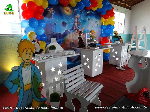 Mesa temática Pequeno Príncipe para festa de aniversário infantil