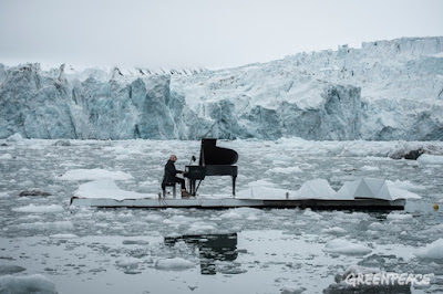 World-Revowned Pianist Ludovico Einaudi Plays in the Arctic Ocean for Greenpeace