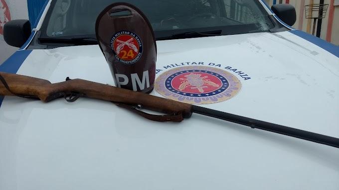 Arma é apreendida após disparos em via pública no município de Saúde