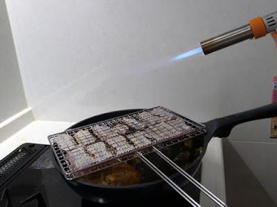 アーネスト ワイドするめ焼き網 A-44001画像は鮪の炙り焼き