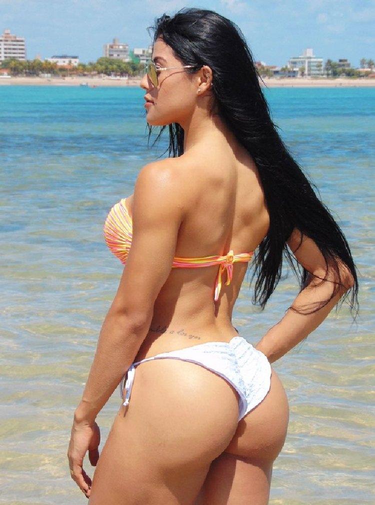 Yasmin Castrill Bikini Fitness