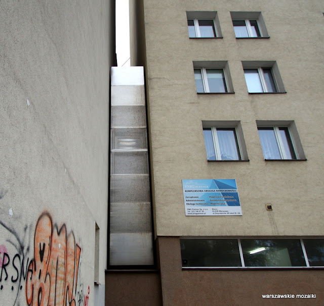 Warszawa Warsaw domkereta najwęższy dom na świecie Wola Chłodna Żelazna architektura rezydencja artystyczna