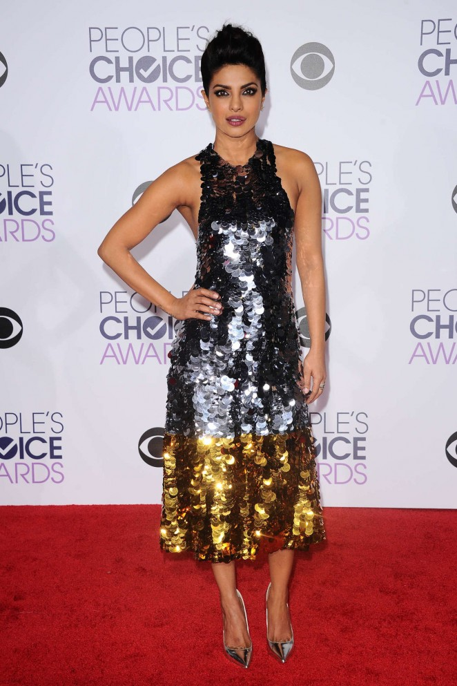 Priyanka Chopra In Black Dress At Peoples Choice Awards