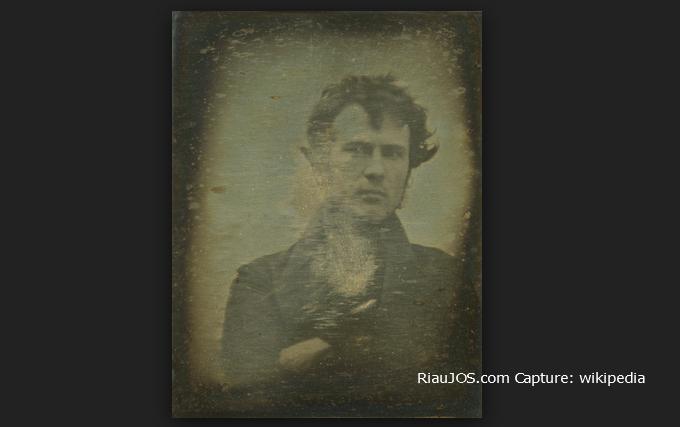 Berawal dari Robert Cornelius sejarah Selfie di muka bumi ini