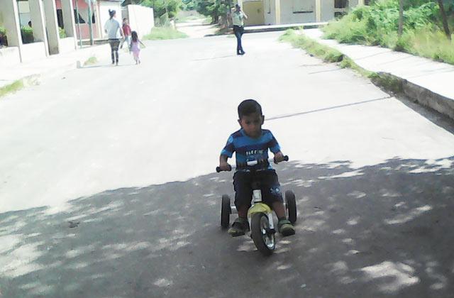 ninos-de-maria-alejandra-disfrutaron-bicicletada-comunal-la-villa