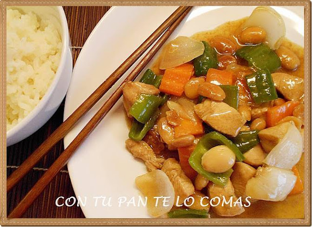 Pollo chino con almendras