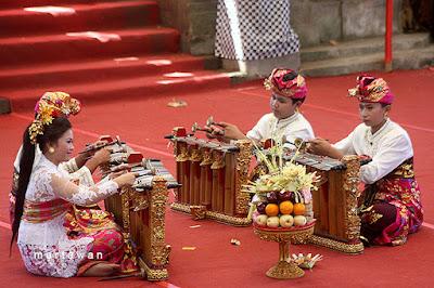 Pesta Kesenian Bali, PKB Bali, Bali Arts Festival, Gender Bali, Gender Wayang, Balinese music, Balinese arts, Balinese culture, Bali video