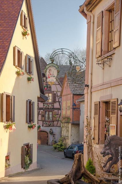 Hunawihr pueblo encanto Alsacia Francia