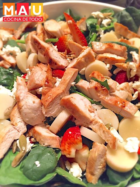 ensalada de espinacas y pollo fresas vinagreta casera light baby spinach dieta comida sana