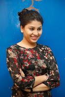 HeyAndhra Hamida Glamorous Photo Shoot HeyAndhra.com