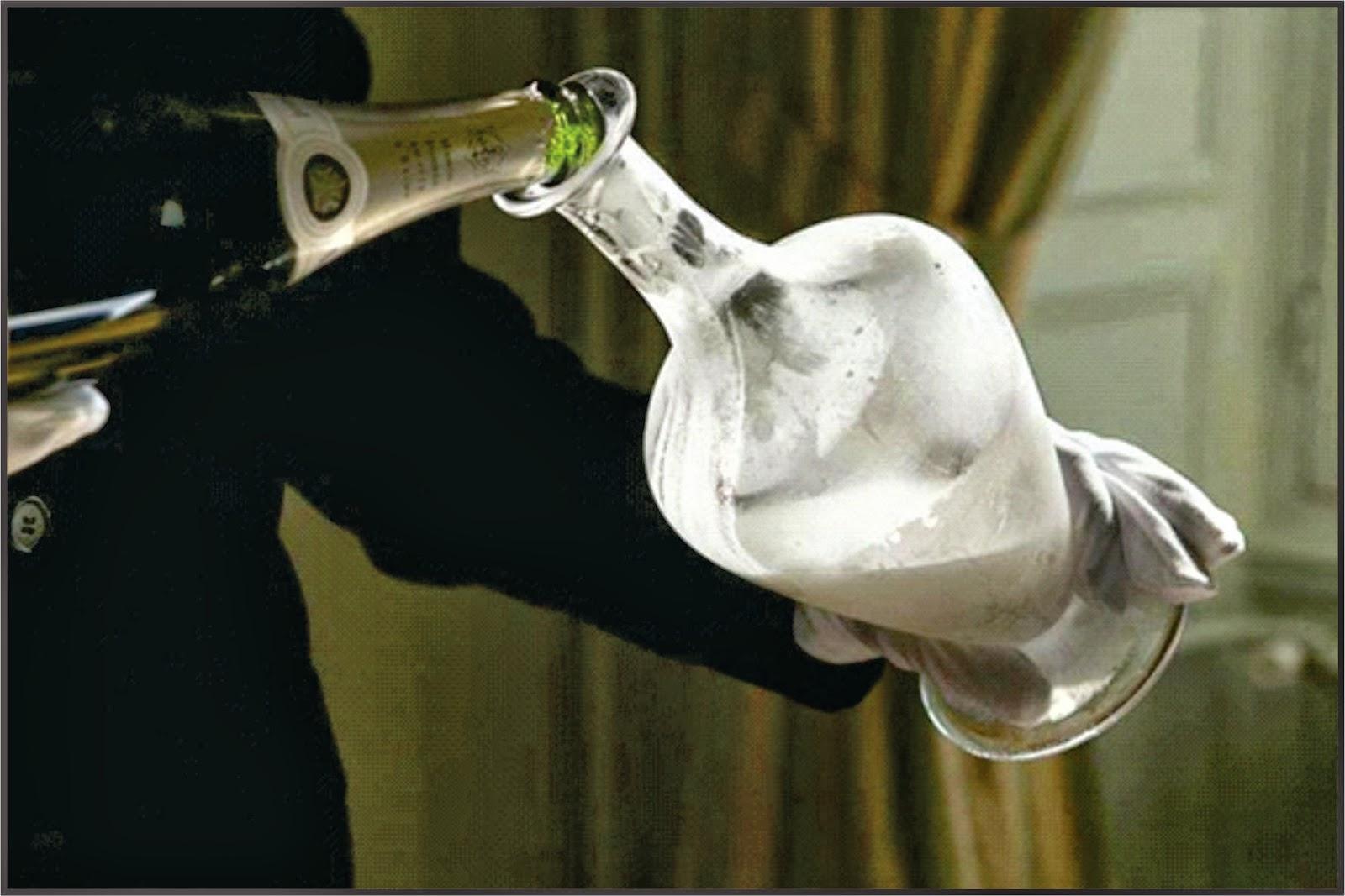 8c1120a3d Agora foi a vez de meu amigo Peter Wolffenbuttel do blog Alem do vinho que  traz outra novidade anunciada mundialmente  o decanter para oxigenar  espumantes.