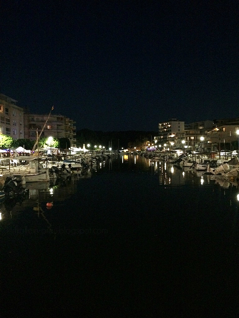 Porto Cristo Hafen, Mallorca, Familienurlaub, Ausflugsziel Ostküste Mallorca, Restaurant am Wasser im Hafen Porto Cristos, Restauranttipp Restaurantempfehlung mit Kindern, Trattoria Ses Bruixes, Pizzeria