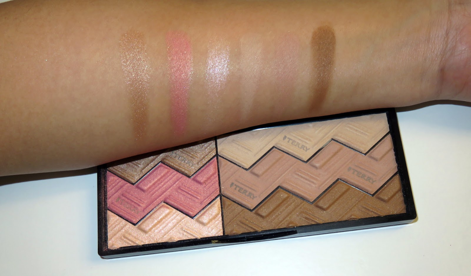 | Review | By Terry Sun Designer Palettes in Light & Tan