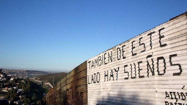 EE.UU. construirá 10 kilómetros del muro fronterizo con México