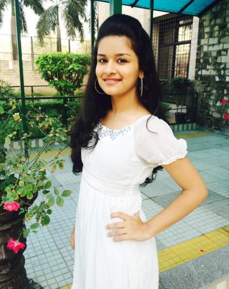 Avneet Kaur hot still in white dress