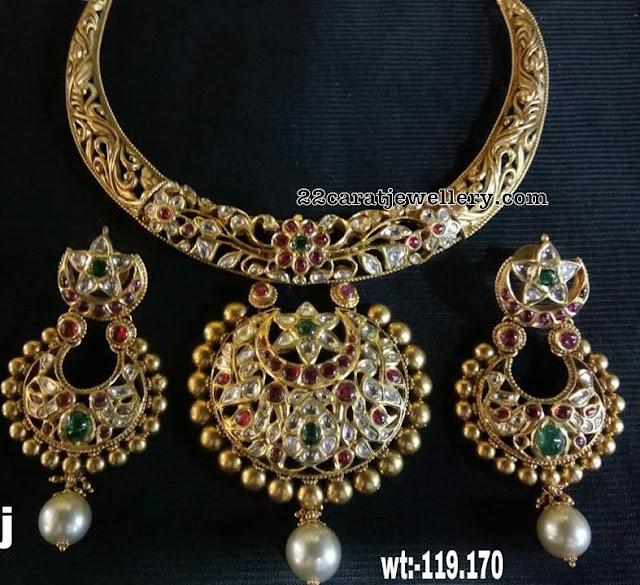 Floral Design Hasil with Kundan Pendant