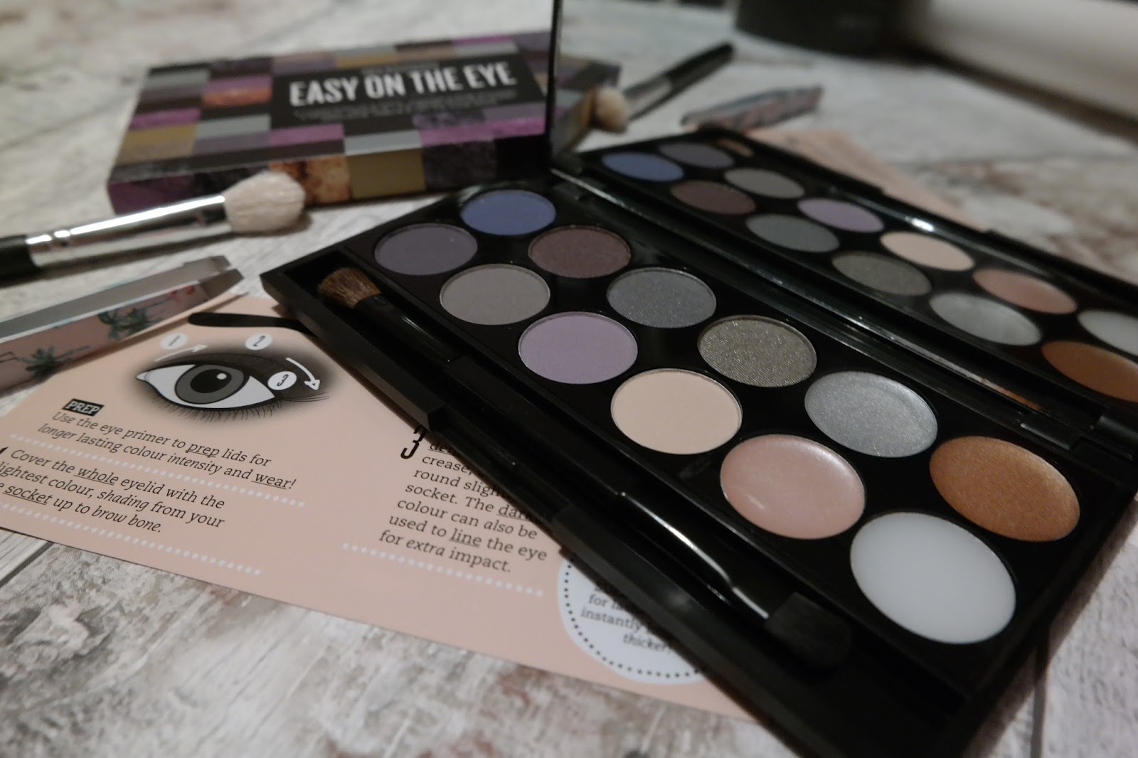 SEVENTEEN EASY ON THE EYE PALETTE: THE BIG SMOKE