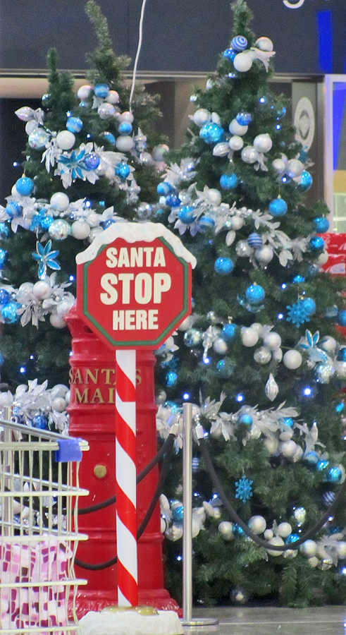 Daily Photo Canberra: Santa stop here