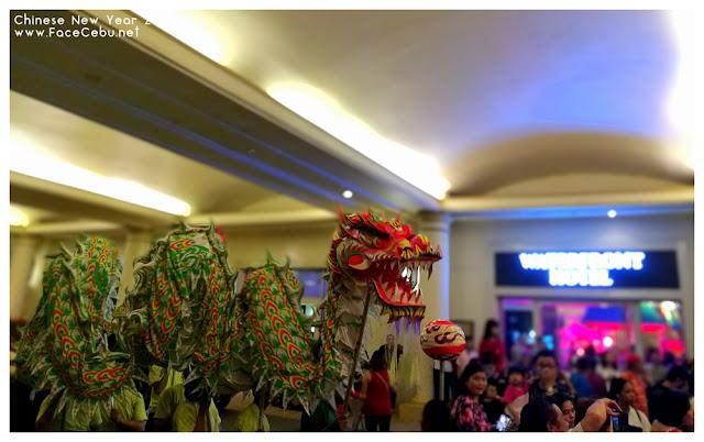 Dragon Dance at the main entrance