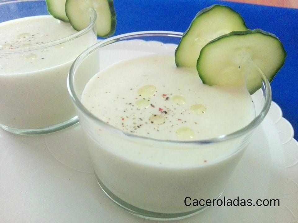 Gazpacho de pepino y yogur
