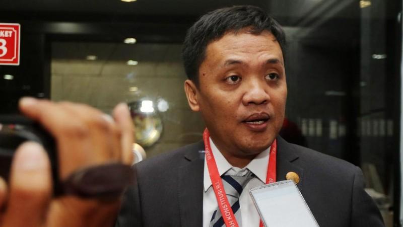 Habiburokhman saat mendaftar gugatan Pasal Makar ke MK