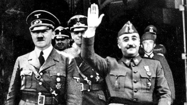 La familia Franco amenaza al presidente del Gobierno con acciones penales contra la exhumación