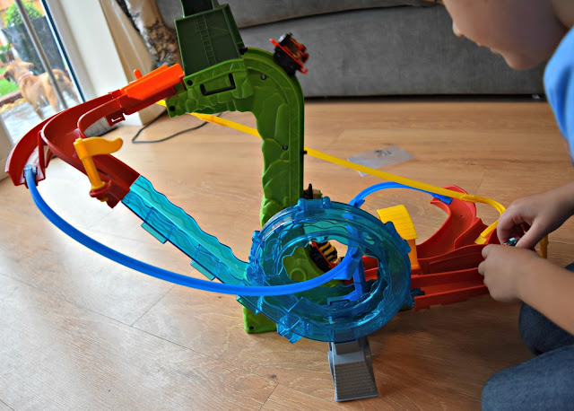 Thomas and Friends Minis Motorised Raceway | A Review