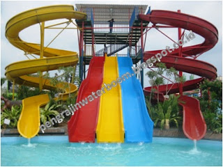 Pengrajin waterboom