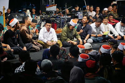 Cak Nun: Kalau Indonesia Bukan Negara Agama, Apa Gunanya Sila Ketuhanan