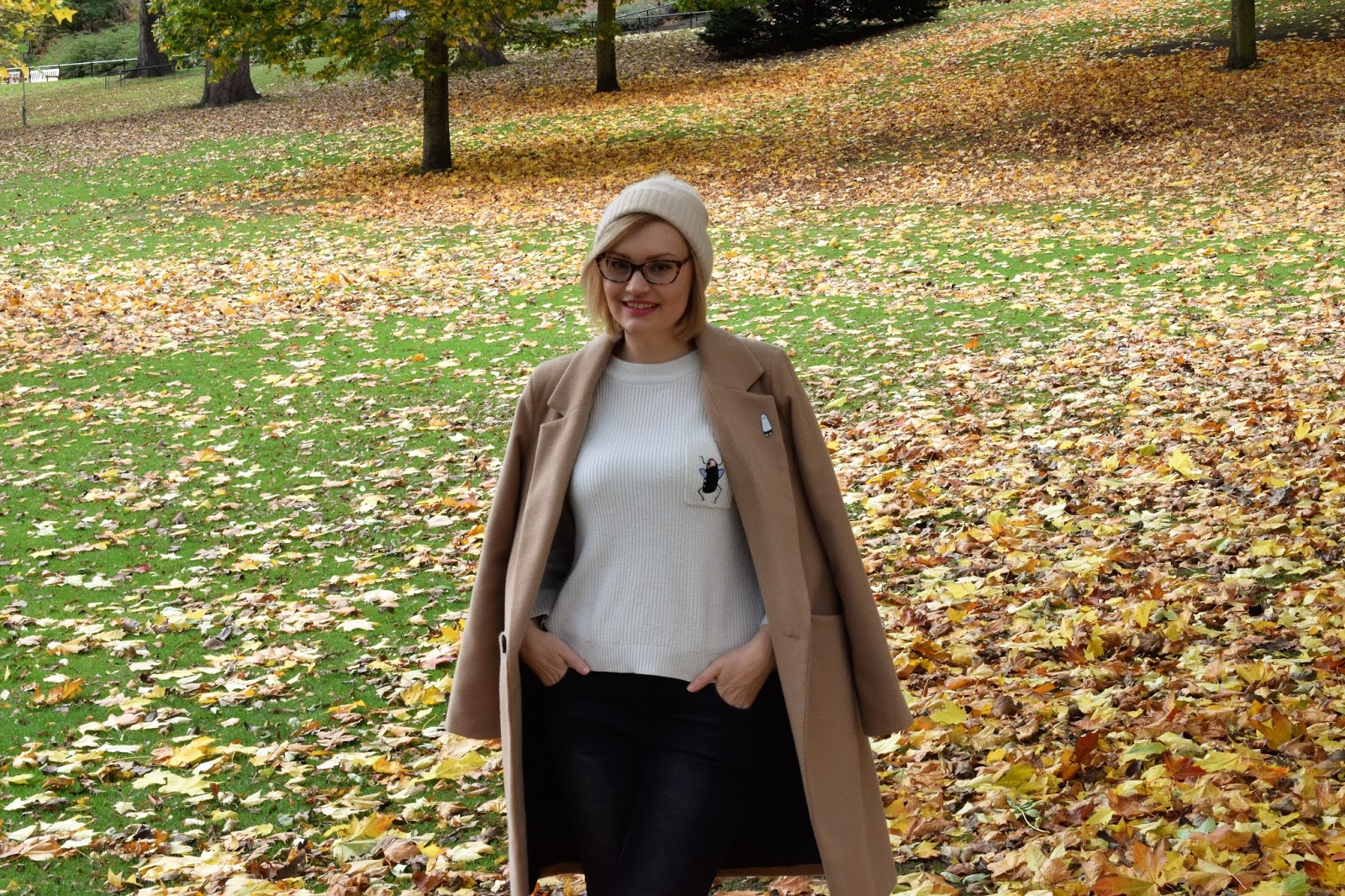 Scottish winter style trend, tartan scarf, The Whitepepper, The Sad Ghost Club, social media friendships, issues with ethical fashion and blogging, Edinburgh blogger photoshoot, simple chic scottish style, UK style blogger, camel coat, how to layer for winter in Scotland,