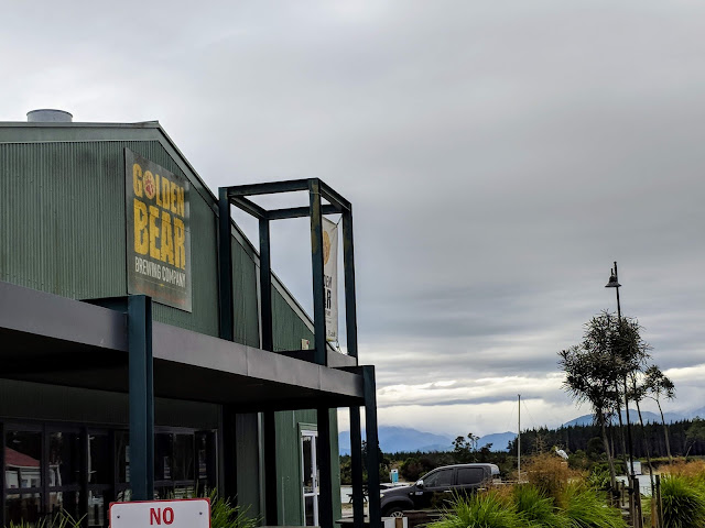 New Zealand Craft Beer: Golden Bear Brewing Company near Mapua