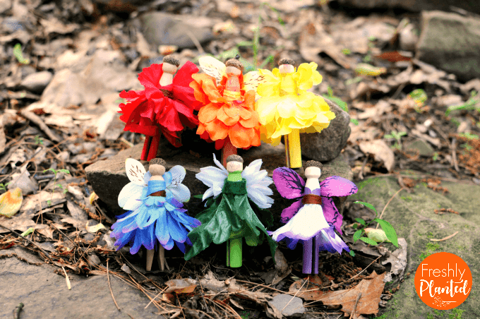 So colorful & easy to create! Made in minutes, these fairy peg dolls are perfect for fairy houses or small world play