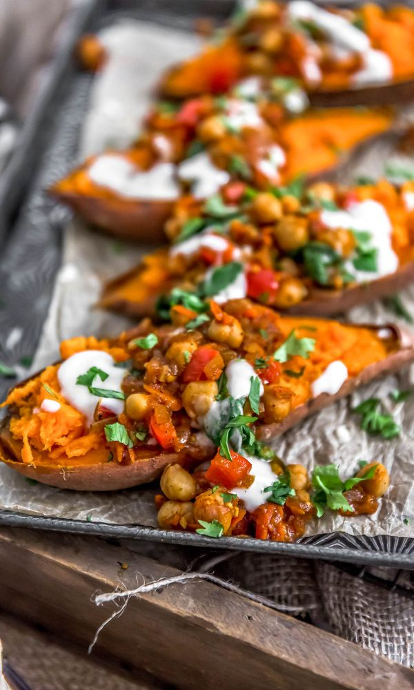 Are You a Vegan? Finding it hard to stay healthy at Christmas? 30+ Healthy Christmas Dinner Ideas for Entire Christmas Month. hosting christmas dinner | christmas dinner ideas easy | christmas dinner list | christmas dinner easy | diy christmas dinner #vegan #christmas #christmasdinner #dinnerrecipes