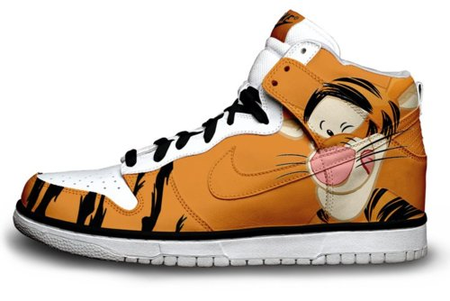 cheaper 7faf0 2e2da Cartoon Nike SB Dunk Disney Tigger Shoes Cool High Tops