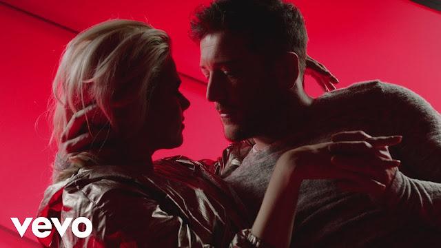 Matt Cardle premieres 'Desire' music video