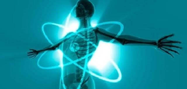 शरीर आणि शक्तीलहरी परस्पर संबंध कसा घडतो ?